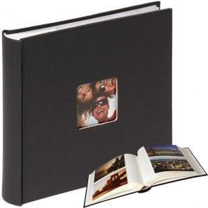 Ett klassiskt fotoalbum är en bra julklapp till mamma.
